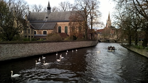 Bruges Minnewater area