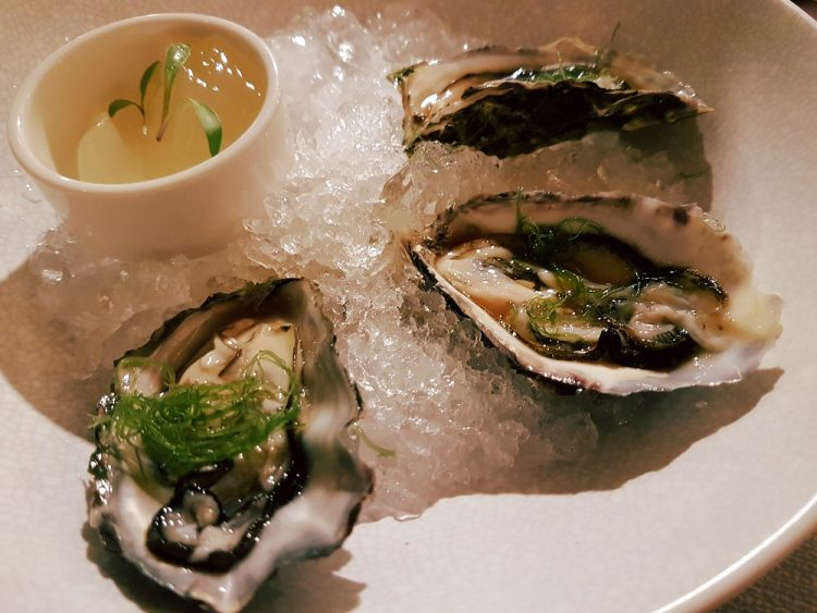 Momor Oysters