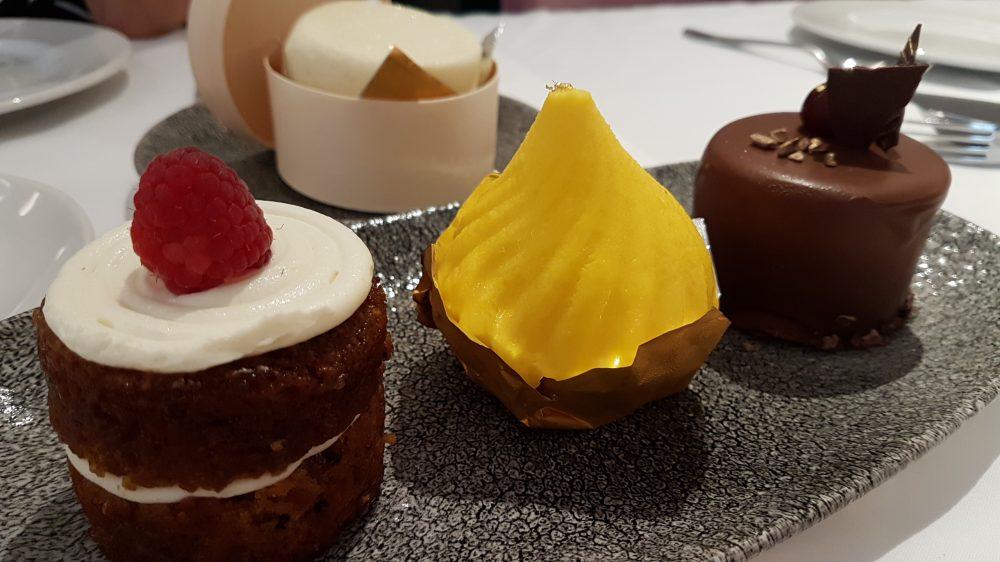 Tablescape Dessert platter