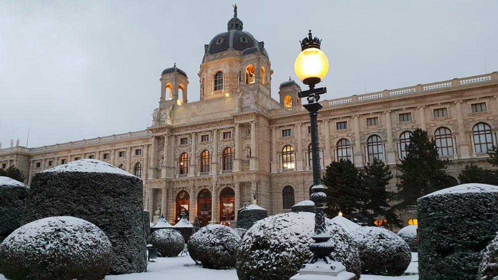 Vienna Kunsthistorisches Snow